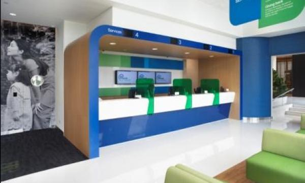 how to call standard chartered customer care